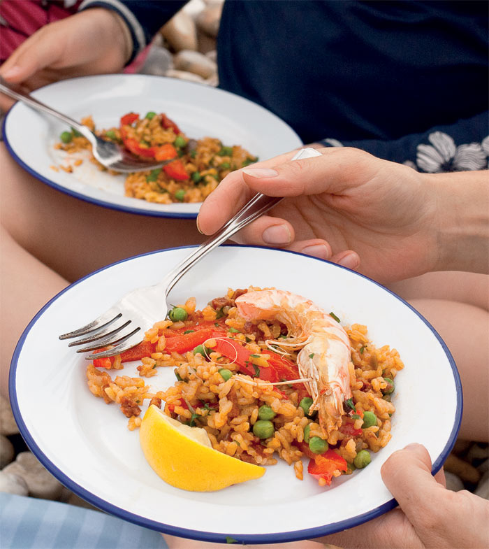 Looking For A Gourmet Camping Recipe? Try Paella