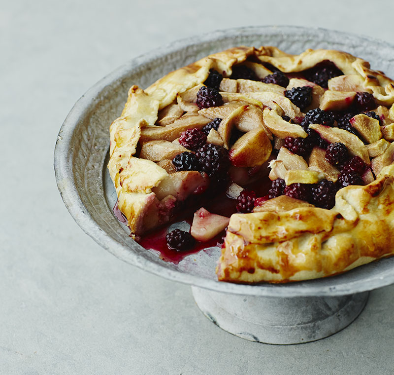 Pear_Blackberry_Pie_021